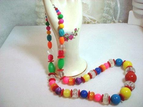 Long Plastic  Glass Bead Candy Necklace in Bright Bold Colors   1236ag-012312000 | Jewlery | Scoop.it