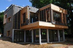 Une maison d'architecte en ossature bois obtient le label BBC grâce à l'isolation Icynene | décoration & déco | Scoop.it