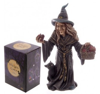 Witch with Basket of Apples | Home Gifts | Scoop.it