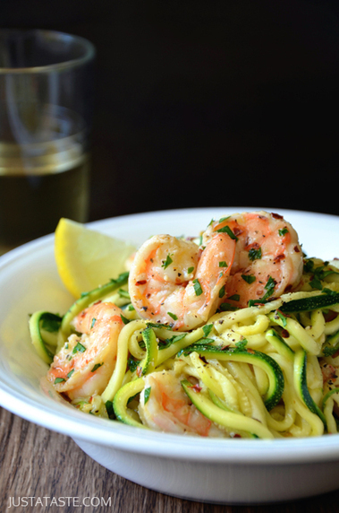 #HealthyRecipe : Skinny Shrimp Scampi with Zucchini Noodles | The Man With The Golden Tongs Goes All Out On Health | Scoop.it