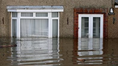 What happens to a house when the water drains away? | AS G1 Tectonics, Rivers and Climate Change | Scoop.it