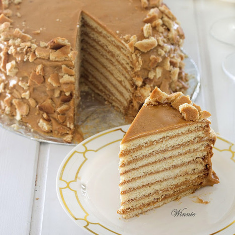 Special honey cake layered with dulce de leche | The Man With The Golden Tongs Hands Are In The Oven | Scoop.it