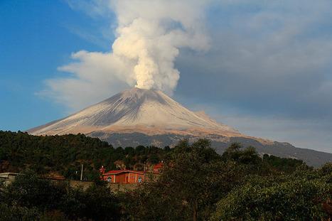 Popocatepetl erupts - in pictures | Risques et Catastrophes naturelles dans le monde | Scoop.it
