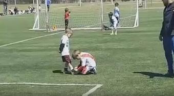 El niño que paró un partido para atarle las botas a un rival | @Futbol Baseymas | Scoop.it
