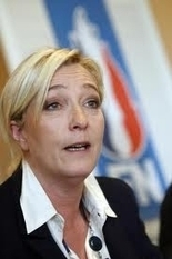 Front National : une dédiabolisation de pure façade? - Information - France Culture | La vague bleu marine emportera -t-elle le Front National ? | Scoop.it
