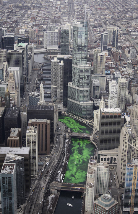 INCREDIBLE aerial photos of the Chicago River being dyed green | The Architecture of the City | Scoop.it