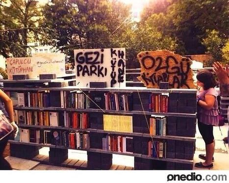 Une bibliothèque / librairie à ciel ouvert à Istanbul   Architecture et bibliothèque   Scoop.it