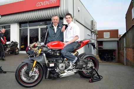 DucatiUK Album | Leon Morris with his 1199 Panigale and more of the RS | Facebook | Ductalk | Scoop.it