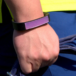 Peur du soleil ? Portez un morceau de peau artificielle sur le poignet pour surveiller votre exposition aux UVs | AMUSEMENT.NET | Big data | Scoop.it