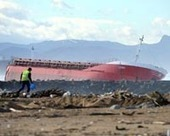 France to start pumping out Spanish ship broken in three | Sustain Our Earth | Scoop.it