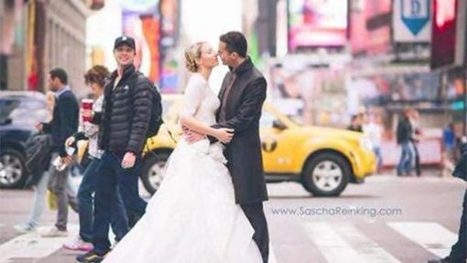 'Is that Zach Braff?' Actor photobombs newlyweds' photoshoot - FOX19 | News from Libya | Scoop.it