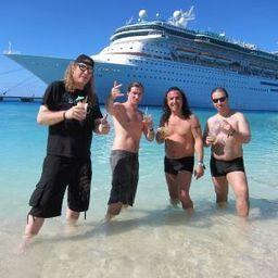 Heavy-Metal-Kreuzfahrt: Headbangen am Karibikstrand - SPIEGEL ONLINE   A Geography Scrapbook   Scoop.it