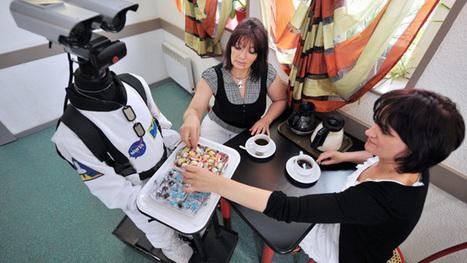 - Robot N°1, pour servir des bouchées dans vos soirées | location-visionconference | Scoop.it