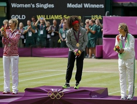 Serena 'brinca' na final, atropela Sharapova e fatura o ouro olímpico | esportes | Scoop.it