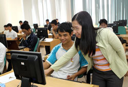 AusAid to support worker training - Viet Nam News | Professional learning | Scoop.it
