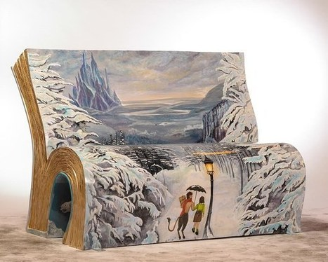 """Painted """"bookbenches"""" spring up across London 