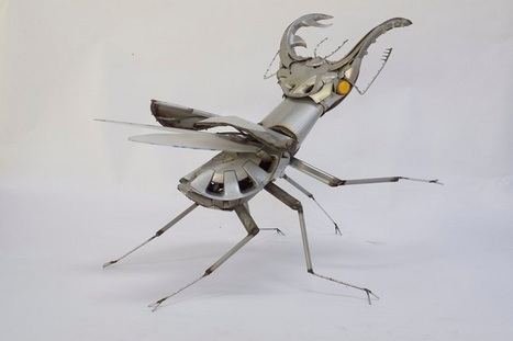 Artist Constructs Striking Creatures Out of Hubcaps and Scrap Metal | Le Panda De Cina ✪ | Scoop.it
