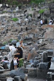 [Eng] Ishinomaki ne veut pas renoncer à ses disparus 4 mois après | asahi.com | Japon : séisme, tsunami & conséquences | Scoop.it