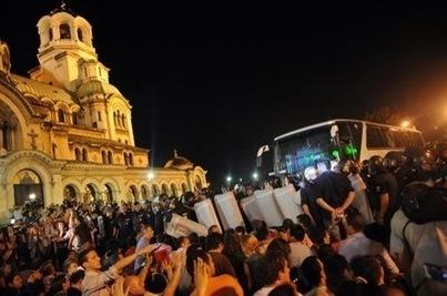 En Bulgarie, le siège du Parlement fait 20 blessés | La-Croix.com | Union Européenne, une construction dans la tourmente | Scoop.it