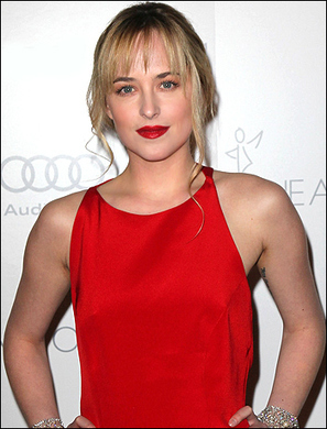 Dakota has been ordering juices all day long to prepare for 50 Shades of Grey role! | Online Gossips | Scoop.it