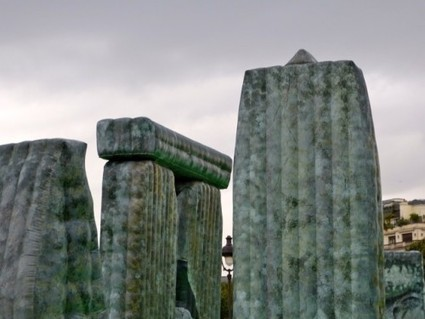 Jeremy Deller, un stonehenge irrévérencieux, video - archéologie ... | Mégalithismes | Scoop.it