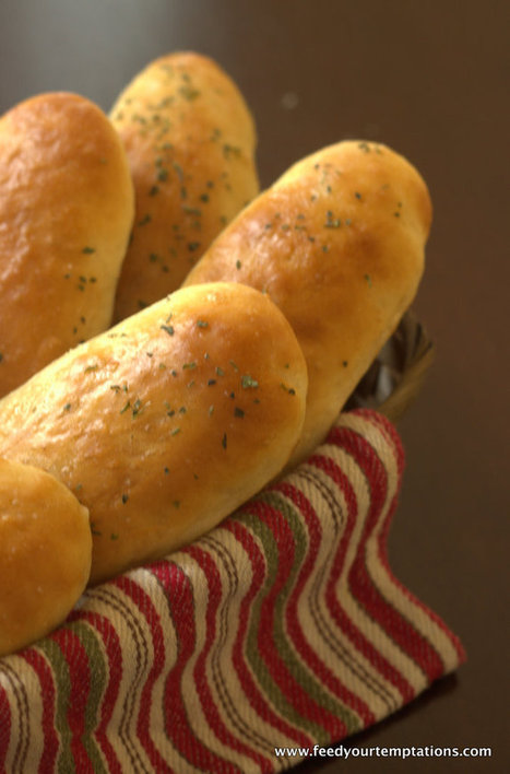 Homemade Garlic bread – The Olive garden style | The Man With The Golden Tongs Hands Are In The Oven | Scoop.it