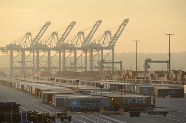 Local Labor Skirmish May Complicate Efforts on West Coast Ports Accord - Roll Call (blog) | Labor and Employment Law for Management, Companies, and Small Businesses | Scoop.it