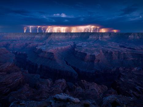 Thunder Storm Photography | Abduzeedo Design Inspiration ... | Hitchhiker | Scoop.it