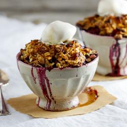 Pear & Blueberry Crumble— Simply Delicious | À Catanada na Cozinha Magazine | Scoop.it