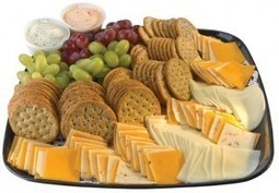 Fruit, Cheese & Cracker Tray | Ingallina's Box Lunch Los Angeles | Party Platters | Scoop.it
