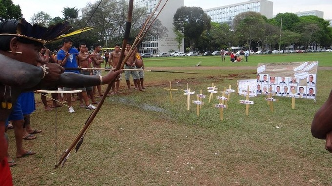 Brazil: 1500 Indigenous Peoples occupy the Esplanade of Ministries | real utopias | Scoop.it