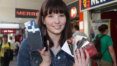 Retailers the big winners as customers swap plastic reward cards for mobile loyalty programs   Bank Of Me Vault   Scoop.it