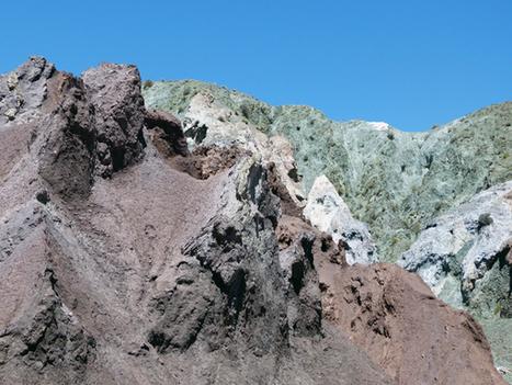 Sud Lipez - Atacama : la vallée Arcoiris et les pétroglyphes. - Le ...   Les déserts dans le monde   Scoop.it
