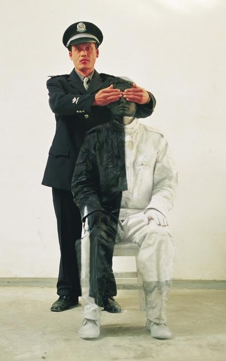 Liu Bolin, célèbre homme invisible   Slate   LaPhoto   Scoop.it