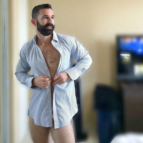 Hairy Hunk Monday 10242016 - Shirtless Hunk Photos | Shirtless Hunk Photos | Scoop.it