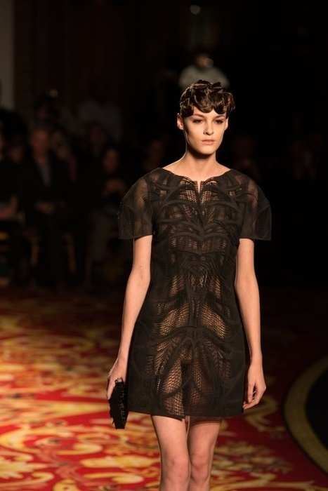 3D printed dress hit Paris Fashion Week at Iris van Herpen show | [New] Media Art Education & Research | Scoop.it