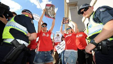 Paramedics demand apology from Simon Ramsay | OHS 11026 Quest to Becoming a Paramedic | Scoop.it