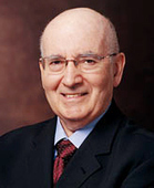 Philip Kotler, guru del marketing, parla dei Social Media | Social Media Easy blog | Life at work. | Scoop.it