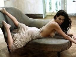 Angelina Jolie: In Evil , released today in French cinemas, fills the screen | Celebrity | Scoop.it