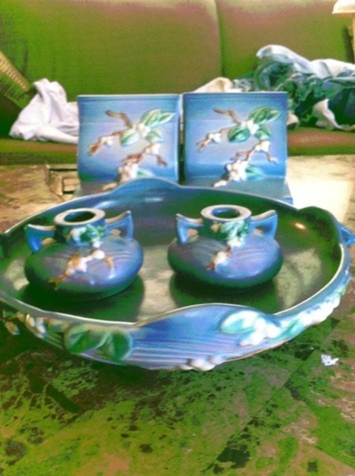 Roseville Pottery Blue Snowberry Set | Antiques & Vintage Collectibles | Scoop.it