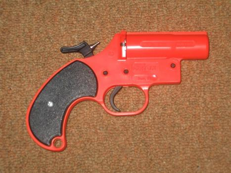 Florida man shoots himself in groin with flare gun | The Billy Pulpit | Scoop.it