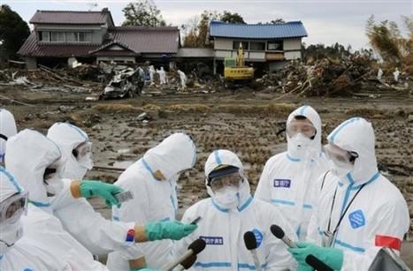 [Eng] Insolite : conférence de presse à Fatuba près Fukushima    Daylife-AP Photo   Japon : séisme, tsunami & conséquences   Scoop.it
