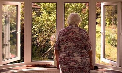 Loneliness twice as unhealthy as obesity for older people, study finds | Heal the world | Scoop.it