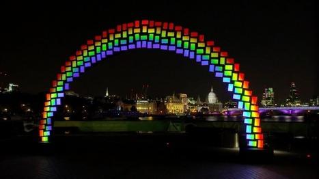 À Londres, Samsung crée un arc-en-ciel digital avec 150 tablettes Galaxy Tab S | streetmarketing | Scoop.it
