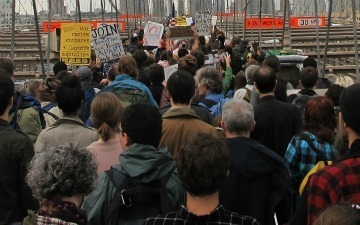 #OccupyWallStreet Takes Over Twitter & the Brooklyn Bridge [PICS & VIDEOS] | Social Media and its influence | Scoop.it