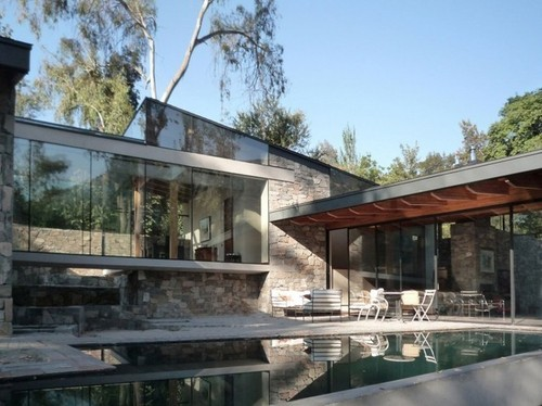 Belle maison pierre contemporaine par schmidt arquitectos lo curro chili construire tendance - Maison s par domenack arquitectos ...