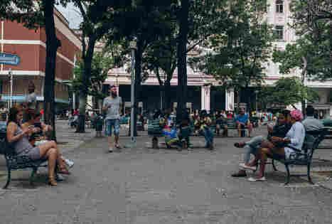 Cuba bloquea SMS con palabras como 'democracia' y 'derechos humanos' | Activismo en la RED | Scoop.it