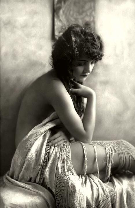Vintage Photography: Ziegfield Girl circa 1910's   boudoir   Scoop.it