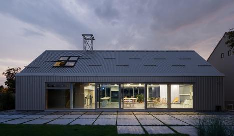 Maison contemporaine multifonctionnelle - Maison dans hangar metallique ...