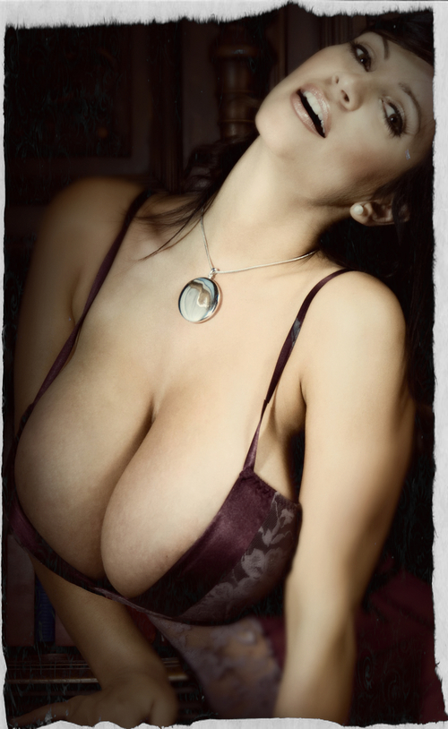 Pajearte Con Denise Milani Pajilleros Massive Tits Fakes